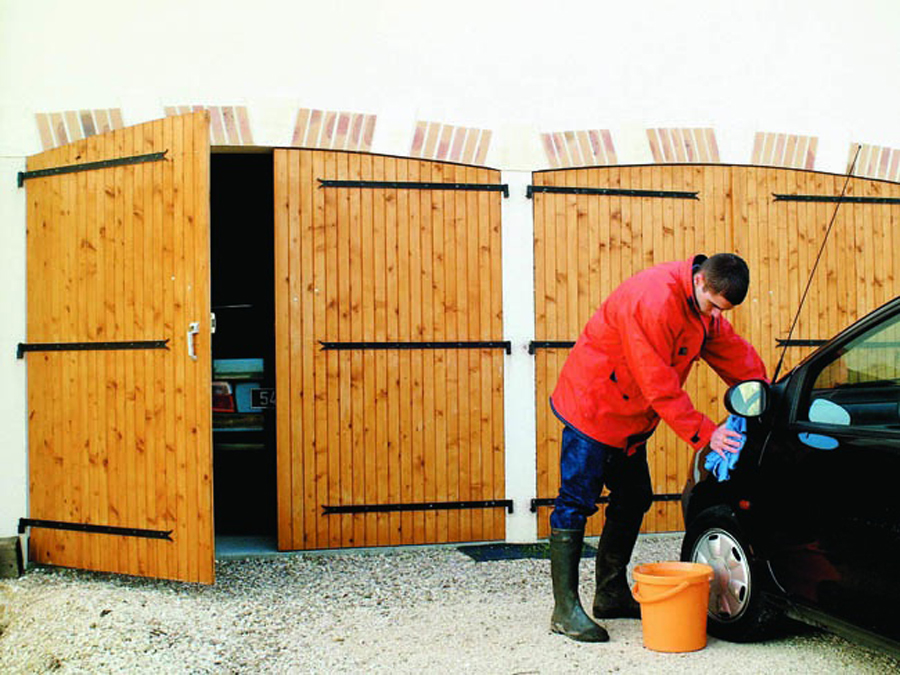 Portes De Garage Traditionnelles