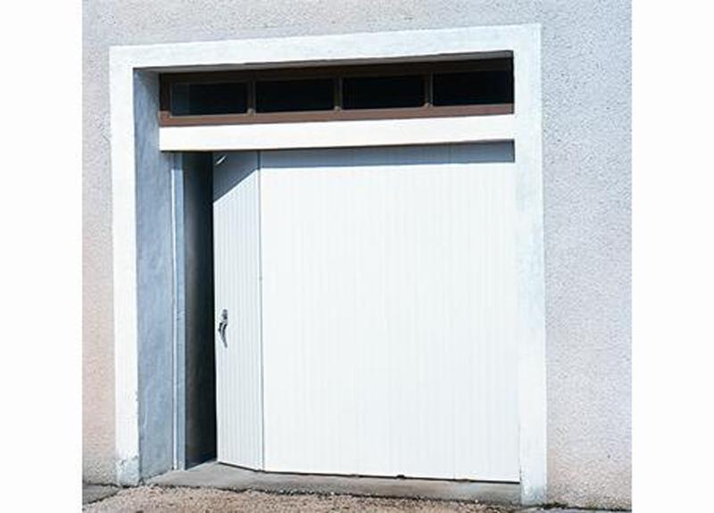 Portes De Garage Traditionnelles - Porte de garage sectionnelle avec porte fenetre pvc bricoman